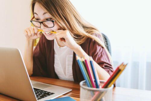 Femme ordinateur lunette